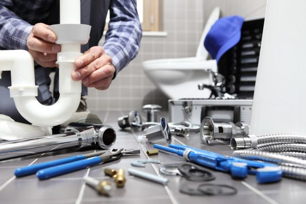 3 Signs that You Have a Plumbing Problem at Home
