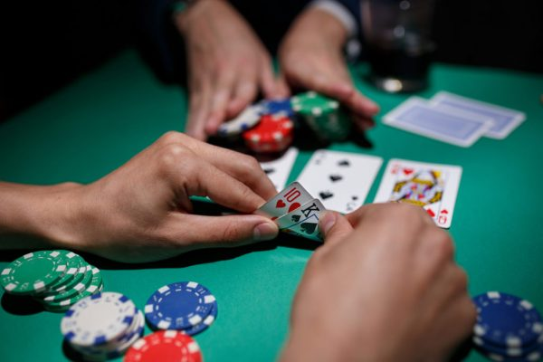 THE CRAZE OF PLAYING POKER GAME IN INDONESIA